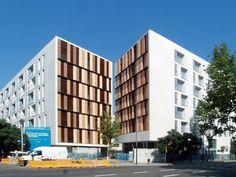 Galería de 154 Viviendas Y Equipamientos Para El Patronato Municipal De La Vivienda / ONL Arquitectura - 1