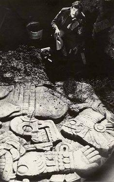 Hallazgo de Coyolxauhqui Ancient Aztecs, Ancient Civilizations, Ancient History, Conquest Of Paradise, Aztec Art, World History, Archaeology, South America, New Art