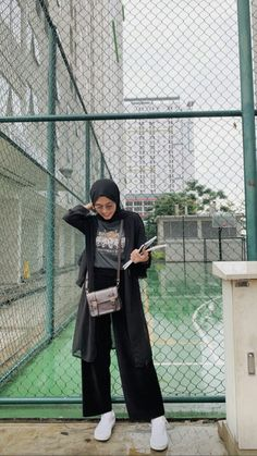 A scarf is the most essential portion inside attire of females together with hijab. Hijab Fashion Summer, Modest Fashion Hijab, Modern Hijab Fashion, Street Hijab Fashion, Casual Hijab Outfit, Hijab Fashion Inspiration, Ootd Hijab, Muslim Fashion, Mode Inspiration