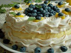 Tort bezowy z kremem cytrynowym i borówkami – KuchniaMniam Meringue Cake, Pavlova, Cake Cookies, No Bake Cake, Dessert Recipes, Food And Drink, Pudding, Yummy Food, Sweets