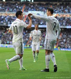 El jugador colombiano, James Rodríguez, marcó este[sábado, 10 de enero de 2015] el primer gol en la victoria del Real Madrid, ante el Espanyol, en la Liga de España, luego de un excelente pase de Cristiano Ronaldo.