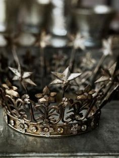 Vintage crown #PANDORAloves
