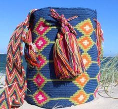 Mobolso - Claudia - Authentic Handmade Wayuu Mochila bag