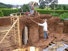 If walls could talk: a cob house in construction by Kevin McCabe - The Independent
