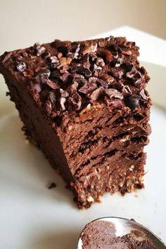 Tofurnik czekoladowy - wegański sernik intensywnie czekoladowy Cookie Desserts, Vegan Desserts, Raw Food Recipes, Sweet Recipes, Cake Recipes, Cooking Recipes, Vegan Cheesecake, Vegan Cake, Fig Cake