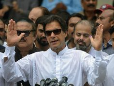 Election of Islamist Pakistani Leader Imran Khan Stokes Fears of Christian Persecution Election Votes, Vote Counting, Top Trumps, Asia News, Imran Khan, Persecution, Pakistani, Christian, Couple Photos