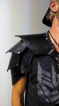 The Mission Spaulder. Leather Shoulder Armor. by BattleBredLeather, $122.00