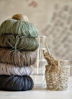 Beautiful linen yarns for crochet Crochet Yarn, Knitting Yarn, Crochet Stitches, Yarn Color Combinations, Yarn Storage, Fibre And Fabric, Yarn Inspiration, Yarn Thread, Yarn Bombing