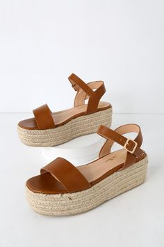 Trek down to the water in style with the Lulus Corsa Tan Espadrille Flatform Sandals! Sleek vegan leather covers a wide toe band, paired with an adjustable quarter strap (and gold buckle). Cute Sandals, Cute Shoes, Me Too Shoes, Tan Sandals, Espadrille Sandals, Women Sandals, Shoes Women, Slide Sandals, Dressy Sandals