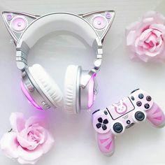 Girly Things, Cool Things To Buy, Cute Headphones, Mode Kawaii, Kawaii Bedroom, Otaku Room, Accessoires Iphone, Gaming Room Setup, Kawaii Accessories