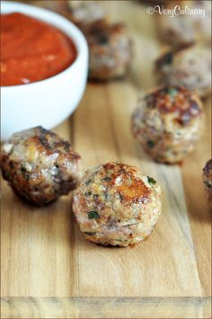 Classic Meatballs from Very Culinary