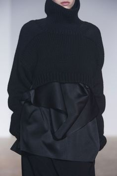 Silky top & cropped sweater; layered black fashion details // Ter et Bantine Fall 2014