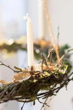 adventskrans med mos og birkegrene - www. Wonderful Time, Happy Holidays, Advent Wreaths, Surrogacy, Candles, Seasons, My Favorite Things, Fertility, Jars