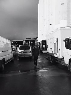 PHOTO♢Michael Fassbender on the set of The Snowman in Bergen, Norway on Feb 25 2016.