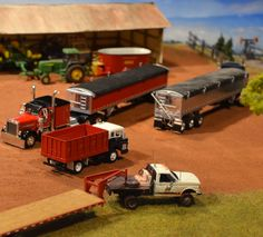 Model Farm Monday Week 168 | Customs & Display Journals ® | Toy Talk | The Toy Tractor Times Online Magazine