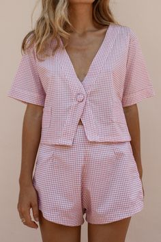 Casual Women Two Piece Set Short Sleeve V Neck Tops Button Hight Waist Shorts Slim Plaid Pink Women Two Piece Outfits Fashion Pants, Fashion Outfits, Short Suit, Mode Streetwear, Pink Gingham, Two Piece Outfit, Linen Dresses, Hot Pants, V Neck Tops