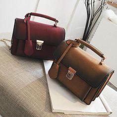 Стильна міні сумка для дівчини Жіноча сумка пошита з щільного штучного  замша. Усередині підкладки немає d6ceebf64039a