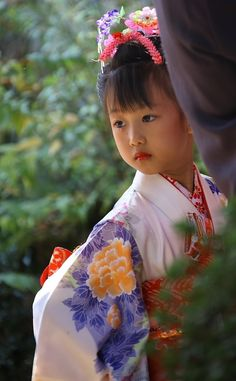 Shinto ceremony, Japan (Shinto - 神道 - Shintō), also kami-no-michi, is the indigenous religion of Japan and the people of Japan). Precious Children, Beautiful Children, Beautiful Babies, Beautiful World, Beautiful People, Beautiful Pictures, Kids Around The World, We Are The World, People Around The World
