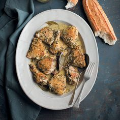 A chicken recipe with white wine, herbs & garlic mad ein a slow and a pressure cooker Duck Recipes, Meat Recipes, Wine Recipes, Slow Cooker Recipes, Chicken Recipes, Healthy Recipes, Recipies, Healthy Dinners, Crockpot Recipes