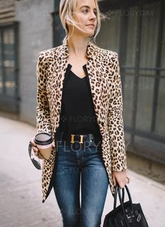 Latest fashion trends in Women& Jackets. Shop online for fashionable ladies coats . - Latest fashion trends in Women& Jackets. Shop online for fashionable ladies Jackets in Floryd - Mode Outfits, Fall Outfits, Casual Outfits, Fashion Outfits, Fashion Tips, Outfit Winter, Winter Cardigan, Fashion Ideas, Summer Outfits
