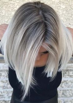 Golden Blonde Balayage for Straight Hair - Honey Blonde Hair Inspiration - The Trending Hairstyle Blonde Hair With Roots, Ice Blonde Hair, Silver Blonde Hair, Blonde Hair Shades, Platinum Blonde Hair, Grey Blonde, Grey Hair Dark Roots, Gray Hair Ombre, Dark Roots Blonde Hair Balayage