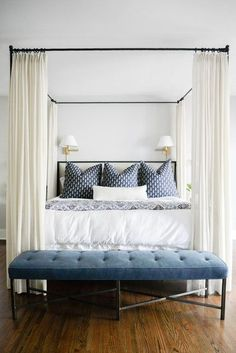 https://deringhall.com/daily-features/contributors/dering-hall/bedrooms-with-standout-bedside-sconces?slide=16