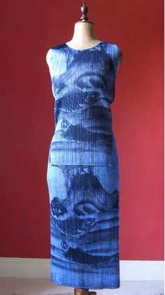 Issey Miyake Pleats Please skirt & top with blue/indigo Japanese carp & Mt. Fuji design. From UK Ebay seller viapiazza (http://myworld.ebay.co.uk/viapiazza).