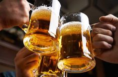 Interested in how rheumatoid arthritis and alcohol mix together? Read on to discover the benefits and risks of moderate alcohol consumption with RA. Samuel Adams, Miller Lite, Stella Artois, Coors Light, Vino Merlot, Beer Cocktail Recipes, Drink Recipes, Petits Bars, Boston Beer