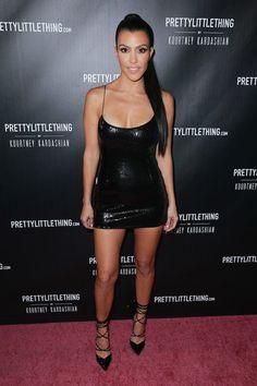 9674fd305 A socialite Kourtney Kardashian no lançamento da nova coleção de sua grife  pessoal (Foto