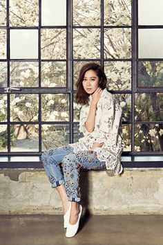 Gong Hyo Jin looks gorgeous on the cover of Marie Claire Taiwan