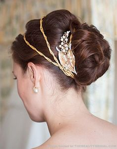Edwardian-inspired style and accessories, sleek and elegant.love the leaf and pearl berries.