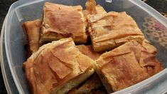 Mακαρονόπιττα για μικρούς και μεγάλους!! Μια πολύ απλή συνταγή για μια ωραία πίτα για όλη την οικογένεια. Yλικά 1 πακέτο φύλλο για πίτε... Spanakopita, Apple Pie, Pork, Pasta, Beef, Cooking, Ethnic Recipes, Desserts, Kale Stir Fry