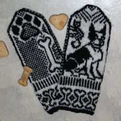 Boston Terrier Mittens - LOVEEEE!