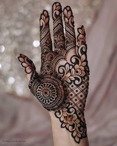 Bridal Henna Mehndi Designs for Full Hands Modern Henna Designs, Engagement Mehndi Designs, Latest Bridal Mehndi Designs, Full Hand Mehndi Designs, Indian Mehndi Designs, Henna Art Designs, Stylish Mehndi Designs, Mehndi Designs For Girls, Mehndi Designs For Beginners
