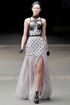 Fuck Yeah Fashion Couture | Alexander McQueen Autumn/Winter 2011-12