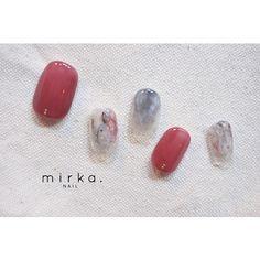 mirka. (ミルカ)さんはInstagramを利用しています:「new !! . ◇オーダーネイルチップについて◇ 結婚式などのイベントや、普段ネイルができない方、mirkaは遠くて行けないという方など、お客様のお爪のサイズ、ご希望に合わせたデザインのオーダーネイルチップをお作りします✨…」 Short Nail Designs, Nail Art Designs, Gel Nails, Nail Polish, Finger Nails, Bridal Nails, Short Nails, Nail Inspo, Doodles