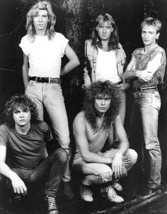 Def Leppard. Rick Allen never ceases to amaze me, a drummer with one arm, beat that! ;;