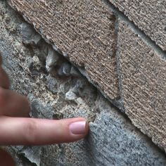 Learn How to Repair Cracked Concrete - HWDIY - On this episode, Kim demonstrates how to repair cracked rotting concrete, to help fix damp and dusky basements.…