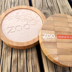 ZAO Makeup Shine Up Powder. Organic highlighting powder with a shimmer to add a gorgeous healthy glow to the cheekbones.
