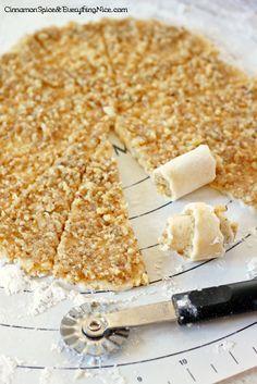 Walnut Rugelach Cookies - des cookies roulés, avec un fourrage noix miel ....