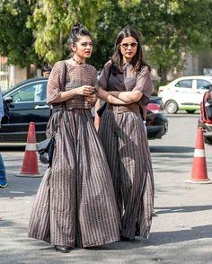 Make-Up artists, designers etc indian outfits modern, indian fashion Indian Outfits Modern, Indian Designer Outfits, Designer Dresses, Indian Fashion Modern, Trendy Dresses, Modest Dresses, Casual Dresses, Modest Wear, Linen Dresses