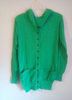 Kup mój przedmiot na #vintedpl http://www.vinted.pl/damska-odziez/dlugie-swetry/10344700-zielony-sweterek-kardigan-z-kapturem