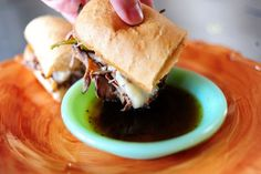 French Dip sandwich courtesy of The Pioneer Woman.i love French Dip sandwiches and this lady always has great recipies. Slow Cooker Recipes, Crockpot Recipes, Cooking Recipes, Slow Cooking, Yummy Recipes, Cooking Tips, Recipe Tasty, Recipe Tips, Freezer Cooking