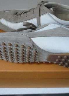 Kaufe meinen Artikel bei #Kleiderkreisel http://www.kleiderkreisel.de/damenschuhe/turnschuhe/124454882-tods-sneakers-weisstaupe-gr-385