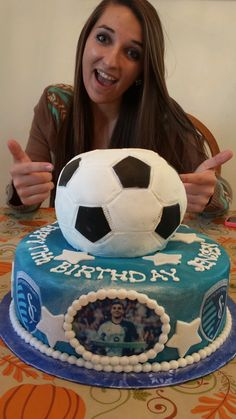 17th birthday cake - complete with fave player @SoonySaad (via KRDeArmond on Twitter)