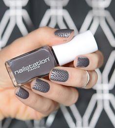 Espionne Nailstation