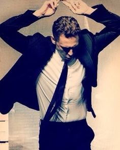Tom Hiddleston and Benedict Cumberbatch Dance-Off Video. It's hilarious to watch!!!