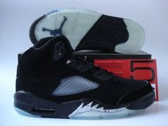 Jordans Shoes Jordan 5 Metallic Silver Black [Jordan 5 - The whole black scheme is a classic colorway that Air Jordan would choose. Air Jordan 5 Metallic Silver Black features a suede upper with speckled shark teeth on the midsole which stands the sho Jordan 5, Michael Jordan, Jordan 1 Flight, Jordan Retro, Black Jordans, Cheap Jordans, Air Jordans, Wholesale Nike Shoes, Air Jordan