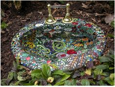 Mixed Media glass mosaic birdbath in artist's private collection.- look closely, its an old sink Mosaic Birdbath, Mosaic Garden Art, Mosaic Art, Mosaic Glass, Glass Art, Stained Glass, Mosaic Crafts, Mosaic Projects, Mosaic Ideas