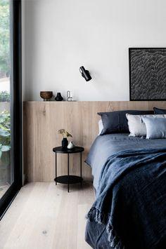 Bedroom ledge in lieu of headboard also used for storage. Suite Master, Master Bedroom Design, Home Bedroom, Bedroom Furniture, Bedroom Designs, Bedroom Decor Lights, Modern Bedroom Decor, Contemporary Bedroom, Modern Home Interior Design